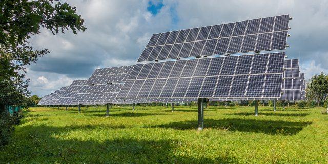 Inseguitore solare: cos'è, prezzo e vantaggi